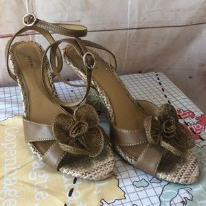 Fioni Wedge Burlaped Sandals with Rafia Flowers
